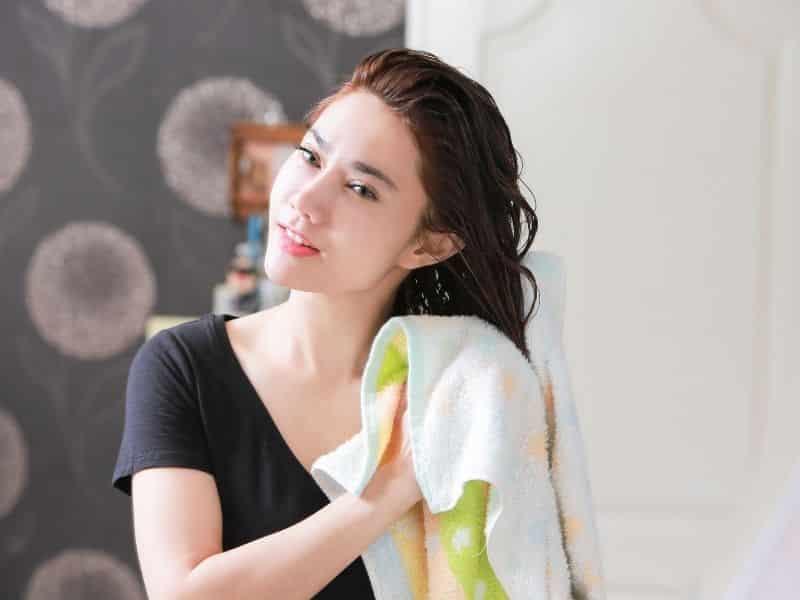 saçlarınızı koruyup güçlendiren saçlara iyi gelen yağlar